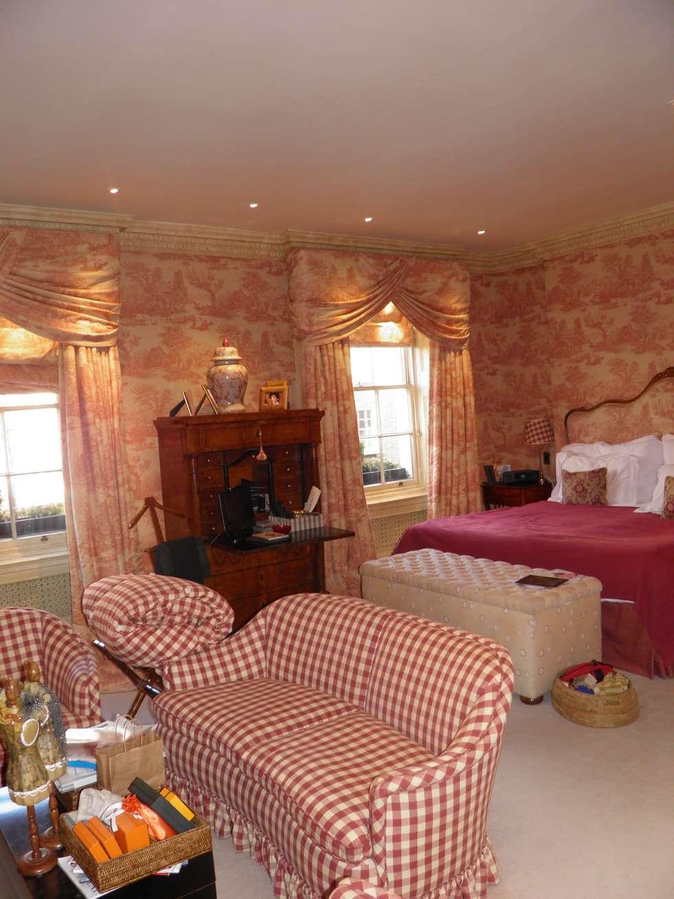 Relax: Camera da letto in stile in stile Classico di DF Design