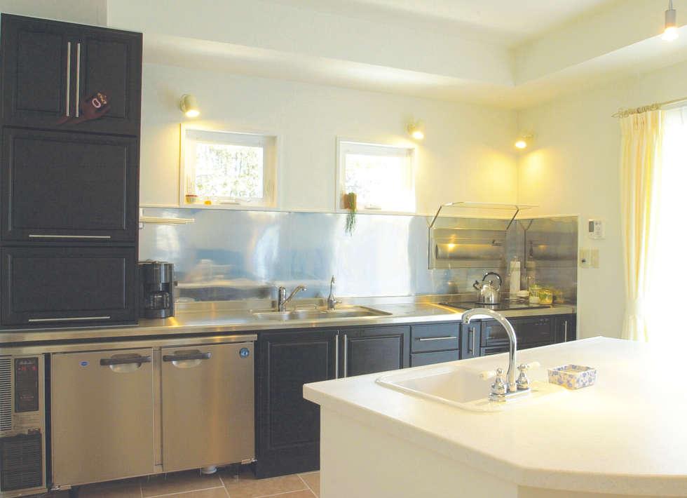 キッチン: パパママハウス株式会社が手掛けたキッチンです。