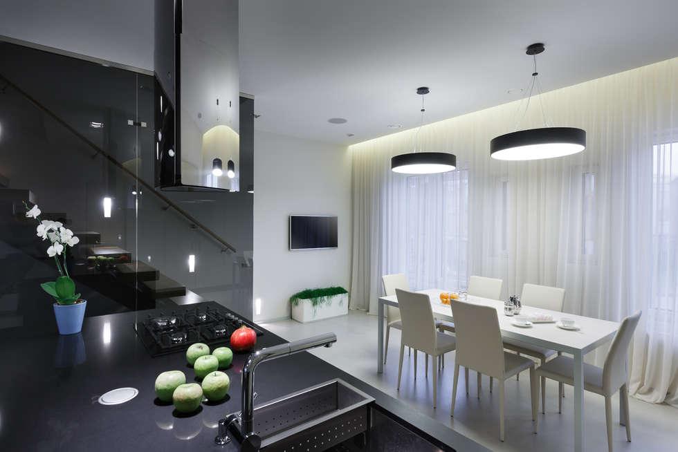 Кухня-столовая.: Столовые комнаты в . Автор – (DZ)M