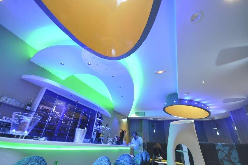 CLUB 48 - Béthune (62): Bars & clubs de style  par SCENARIO-ARA - Architectes - Urbanistes