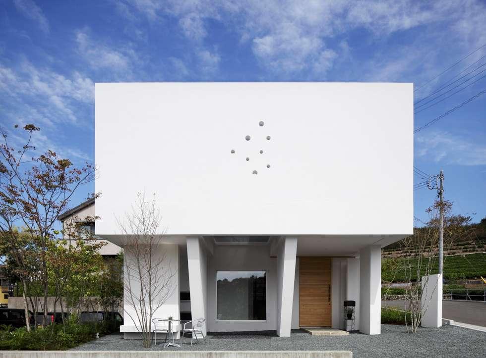 南面: 久保田正一建築研究所が手掛けた家です。