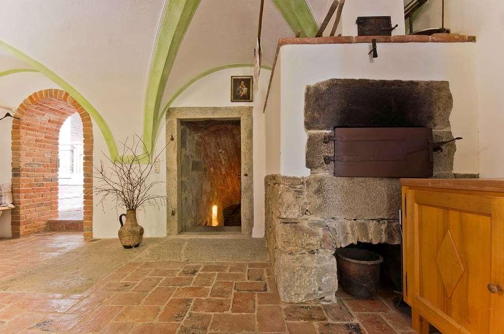 landhausstil küche bilder: gemauerter backofen im gartenhaus | homify - Küche Backofen