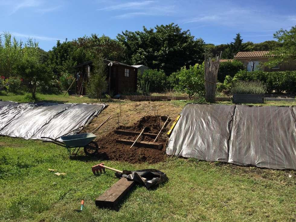 am nagement talus jardin de style de style m diterran en par in out garden homify. Black Bedroom Furniture Sets. Home Design Ideas