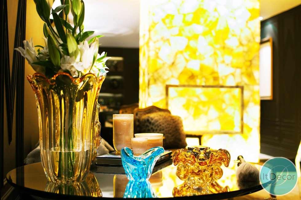 Estar Íntimo - Casa Cor MS 2014: Salas de estar modernas por It Decor