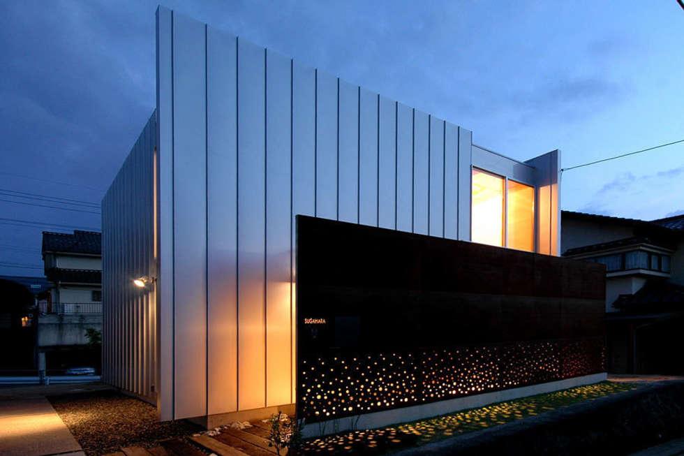 ウイングハウスの夜景: 土居建築工房が手掛けた家です。