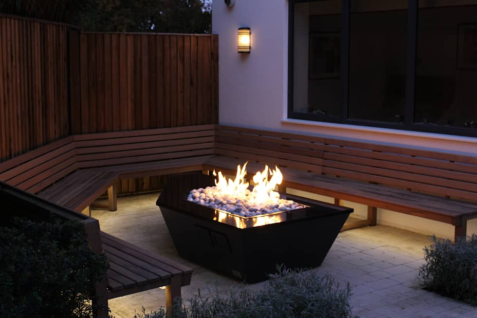 Stealth Boat Fire Table - Southampton:  Garden  by Rivelin