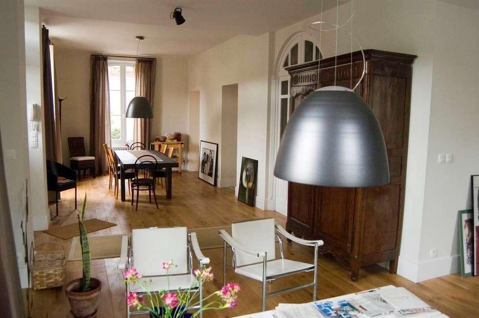 pièce à vivre: Salle à manger de style de style Moderne par Tandem architecture