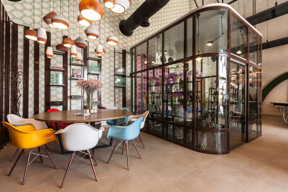 Moz, Flower Shop, Dubaï: Espaces commerciaux de style  par Dominique Herbillon & Edouard Augustin