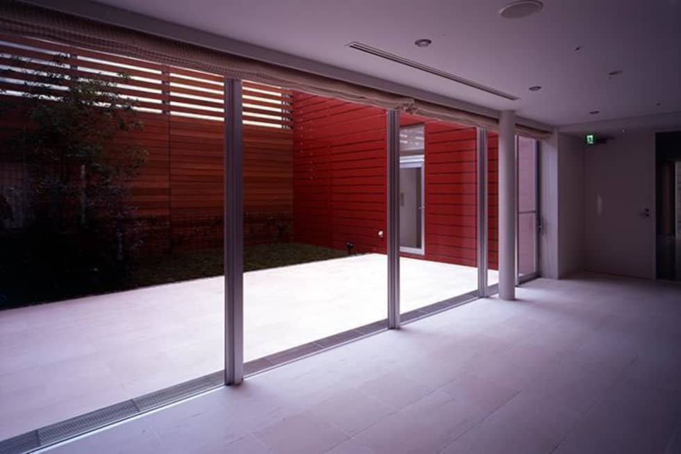 住戸の一つに設けた専用の中庭。: 株式会社ヨシダデザインワークショップが手掛けた庭です。