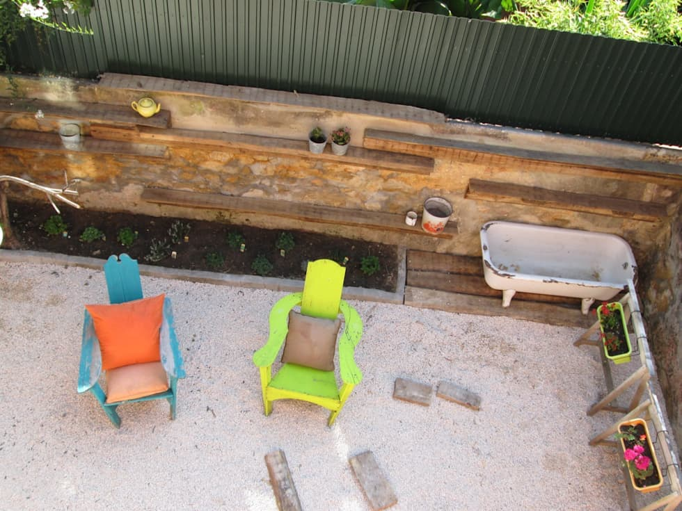 Jardim piso terreo - Prédio Rústico em Carcavelos - Lisboa: Jardins minimalistas por adoroaminhacasa