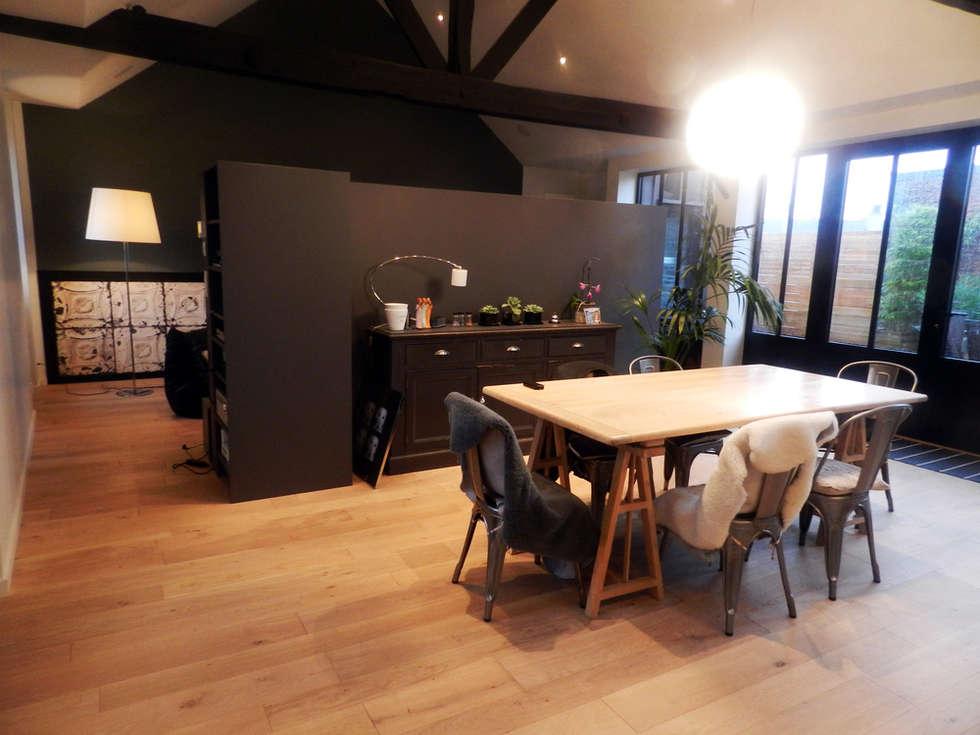 Rénovation d'un appartement centre ville Fougères: Salle à manger de style de style Industriel par NEWDECO