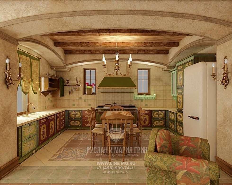 Интерьер кухни в дизайне дома из бруса: Кухни в . Автор – Студия дизайна интерьера Руслана и Марии Грин