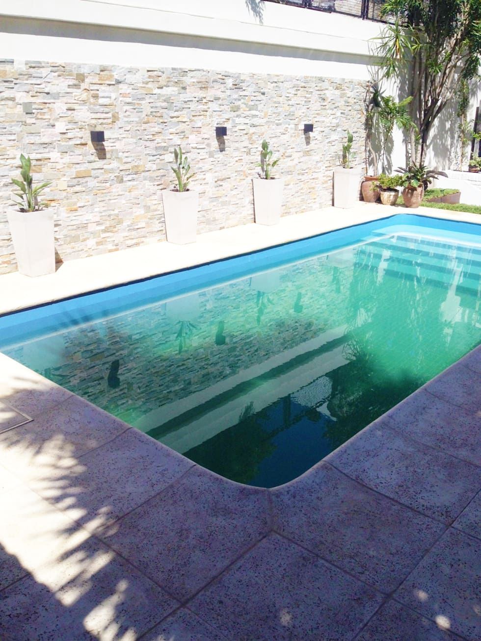 Im genes de decoraci n y dise o de interiores homify for Piscina espacio reducido