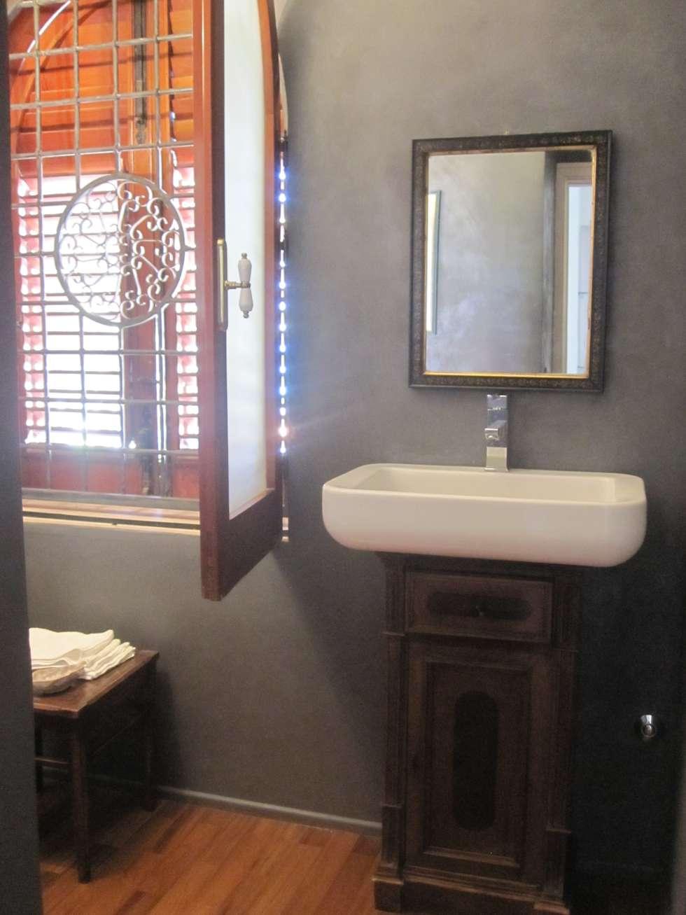 bagno | dopo: Bagno in stile in stile Eclettico di francesca ravidà    architetto | interior designer