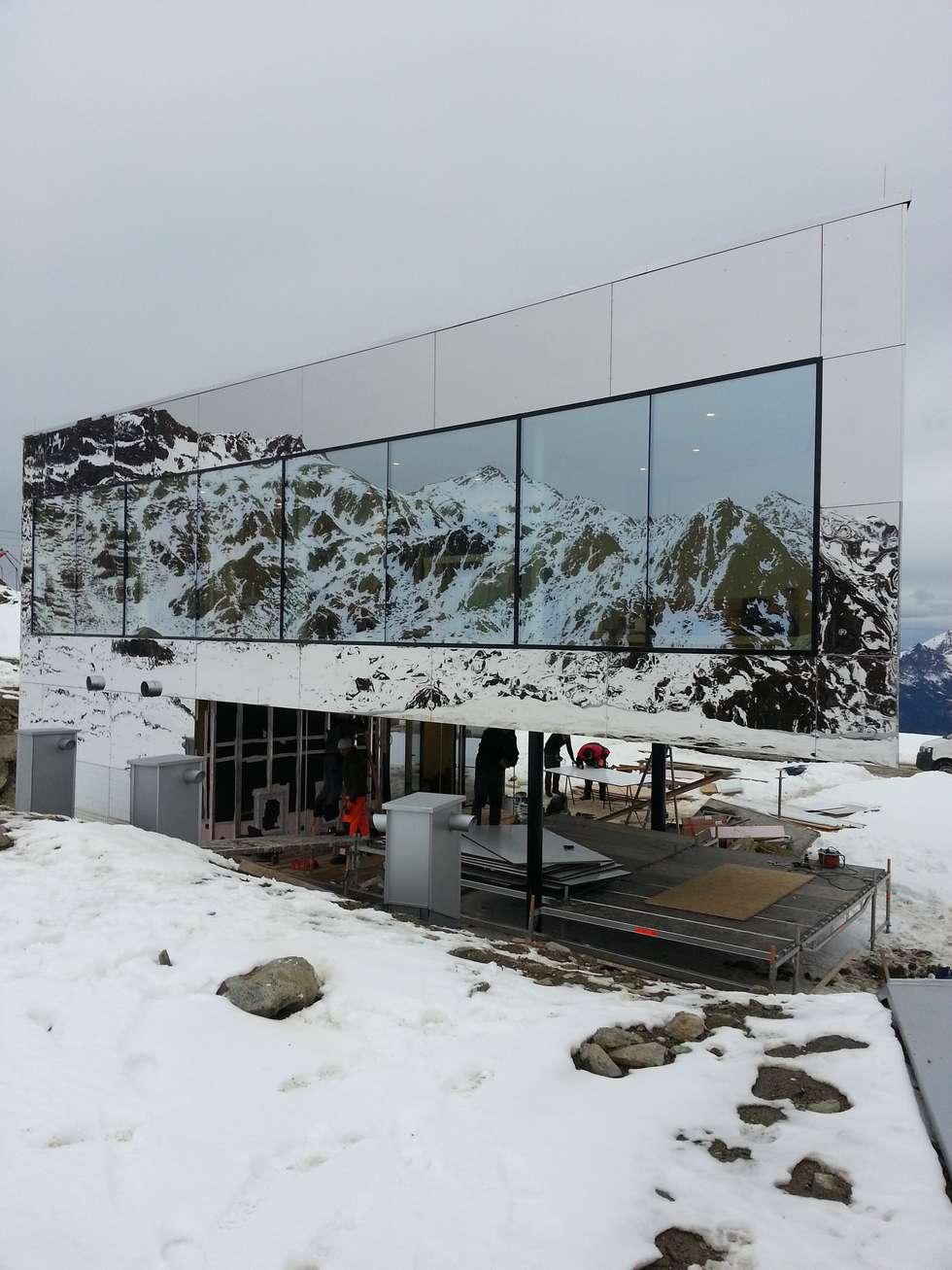 Bei Schnee und Kälte wird die Fassade komplettiert :  Hotels von DKS Technik GmbH