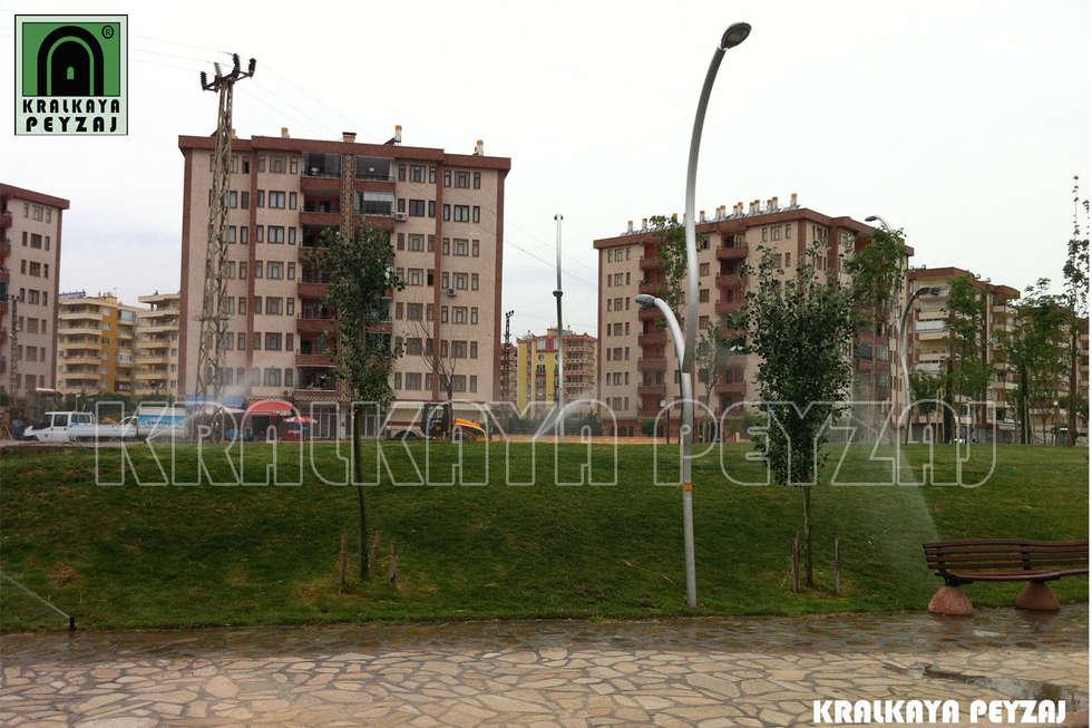 Kralkaya Peyzaj Havuz Fıskiye Sist. ve Pompa Mim. Müh. İnş. Ltd. Şti  – Göletli Park / Diyarbakır: akdeniz tarzı tarz Bahçe