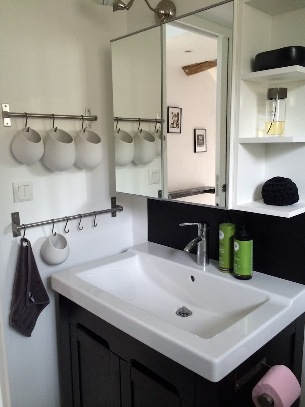 La salle de bain  NIVEAU 1 ( petite maison): Salle de bains de style  par Atelier d'Ersu & Blanco
