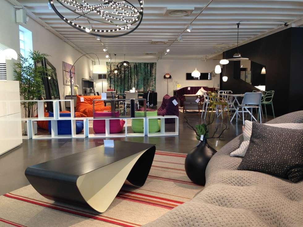 Vision Design: Salon de style de style Moderne par Coco Steel