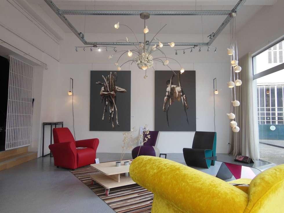 Galerie Stephan Hamache: Salon de style de style Moderne par Coco Steel