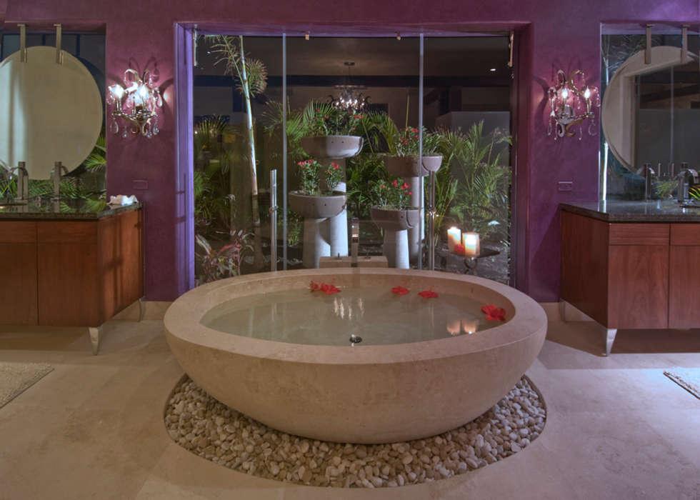 Casa Taheima.: Baños de estilo  por BR  ARQUITECTOS