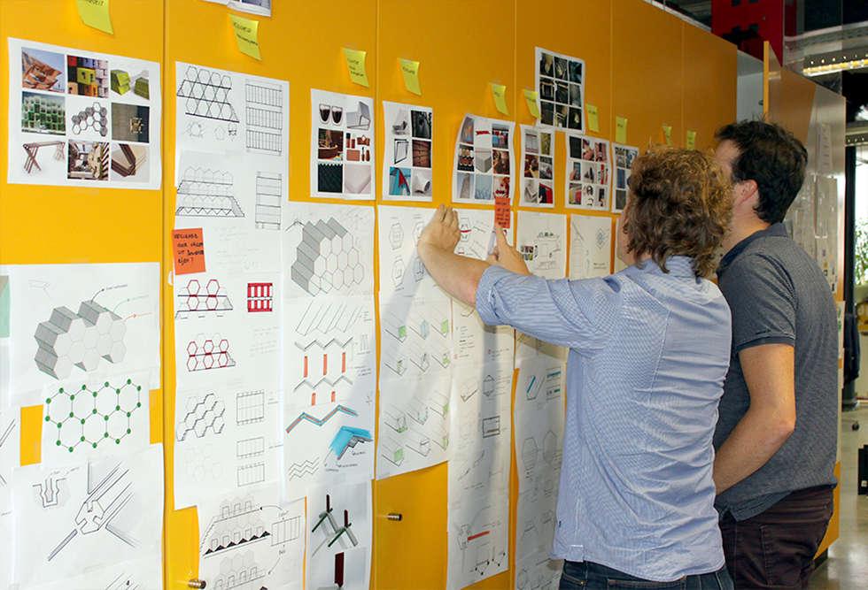 B&BEE - Design Team at work: Hôtels de style  par Achilles Design