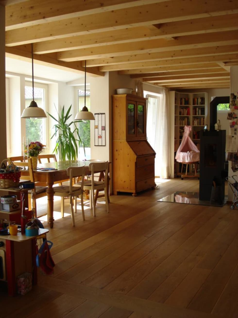 Wohngesundes Holzhaus   Modern Und Kostengünstig: Klassische Esszimmer Von  Neues Gesundes Bauen