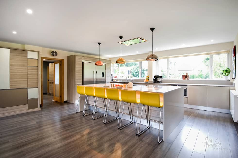 Countryside Retreat - Living Space: modern Kitchen by Lisa Melvin Design