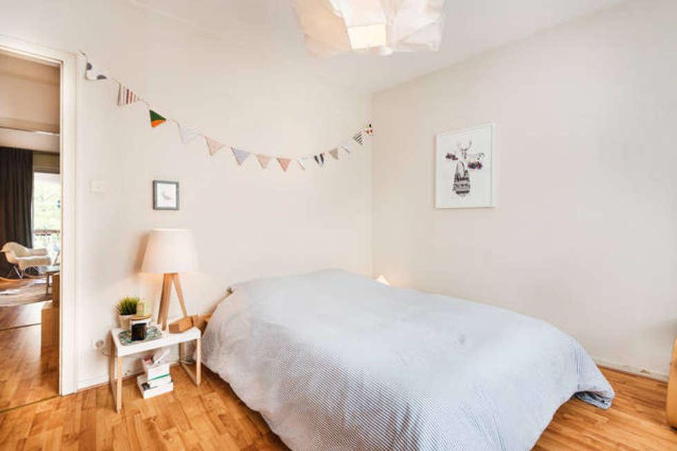 Décoration d'intérieur - Appartement de C & L: Chambre de style de style Scandinave par Ektor studio