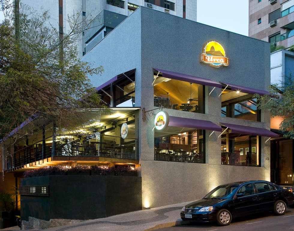 Fachada: Bares e clubes  por Fernanda Sperb Arquitetura e interiores