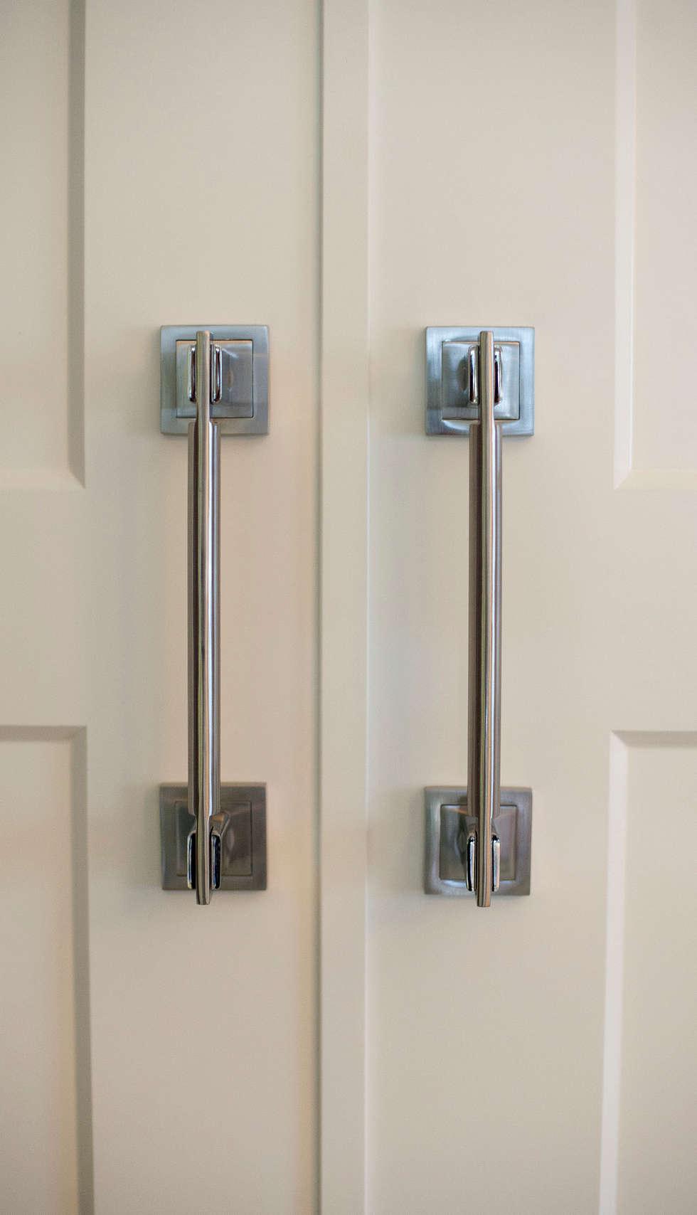 Fotos de decoraci n y dise o de interiores homify - Manillones puertas correderas ...