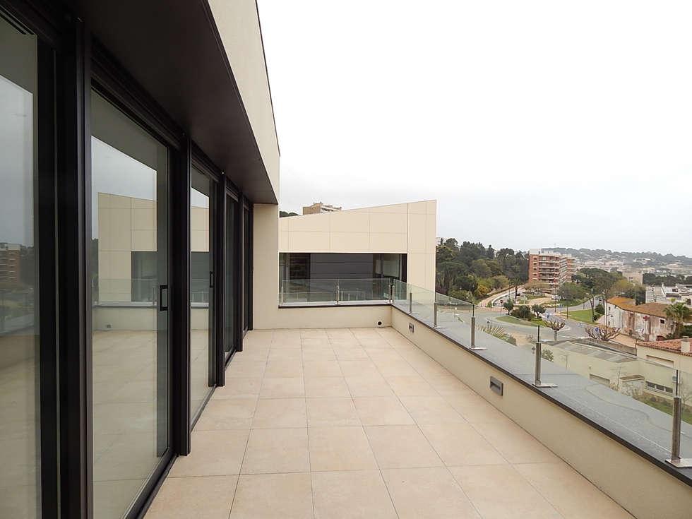 Terras : moderne Huizen door Hamers Arquitectura