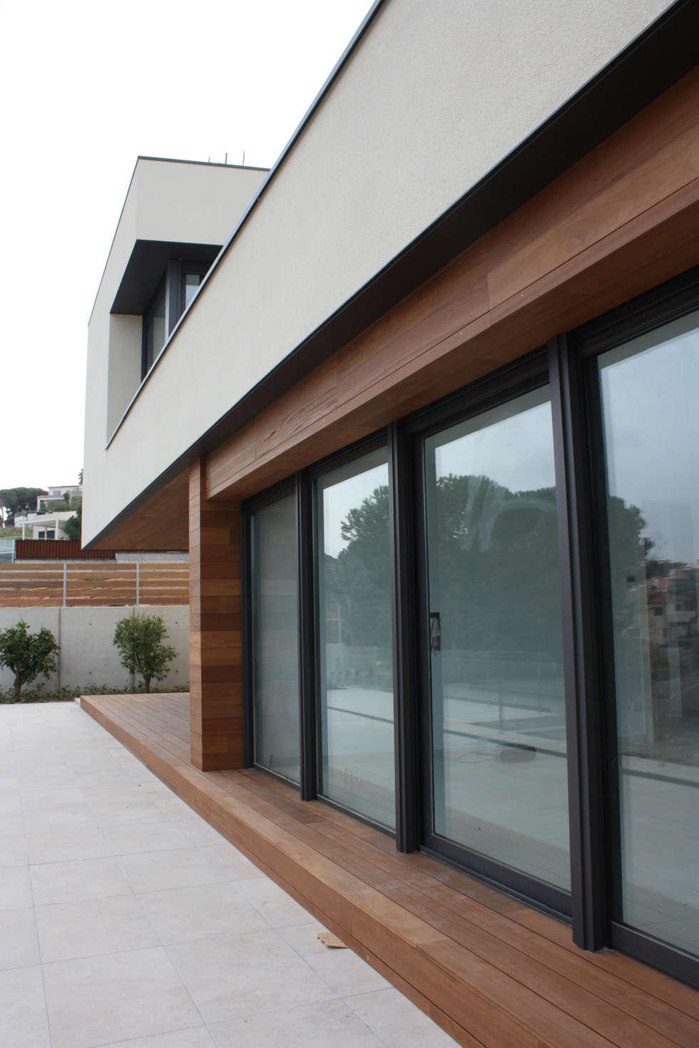 Gevelmateriaal : moderne Huizen door Hamers Arquitectura