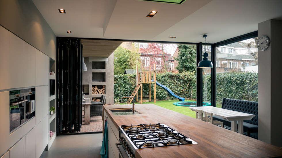 Aanbouw Open Keuken : Aanbouw en renovatie van onder kapper met ruime woonkeuken met