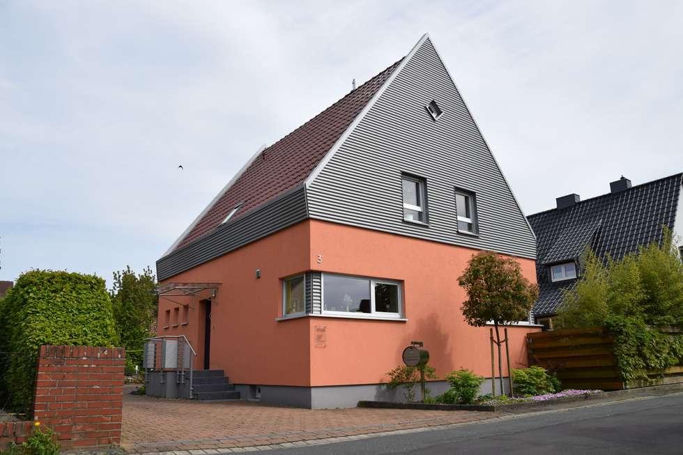 Nord/Westfassade :   von Architekturbüro Heike Krampitz