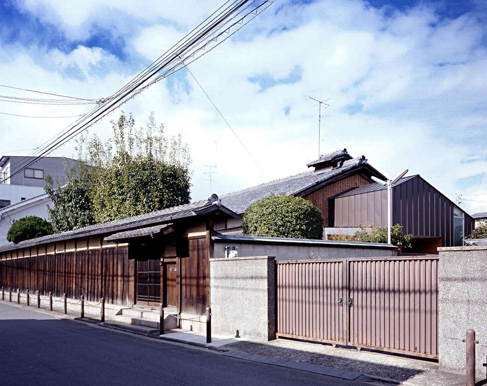 積日隆替家屋: 岩本賀伴建築設計事務所が手掛けた家です。