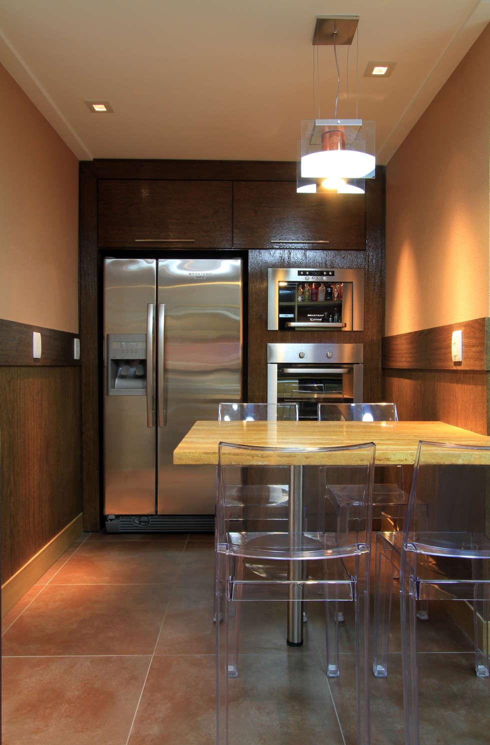 Apartamento Bela Vista 02: Cozinhas modernas por Francisco Humberto Franck