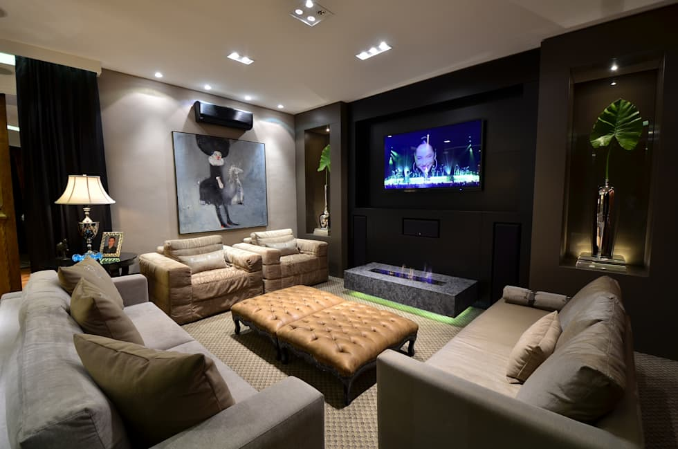 Sala de Estar Home Theater: Salas de estar clássicas por Francisco Humberto Franck