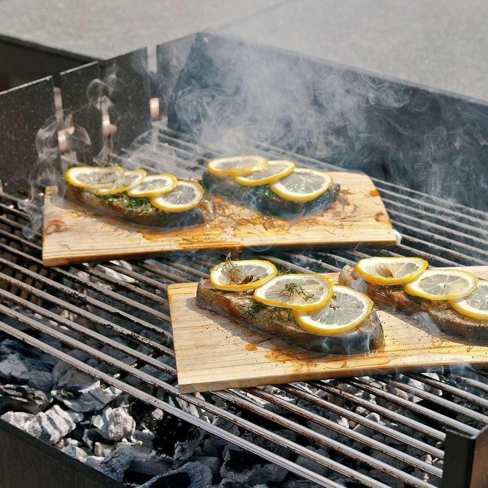 Set de 2 planches à barbecue en bois American Style: Cuisine de style de style Classique par IdéeCadeau.fr
