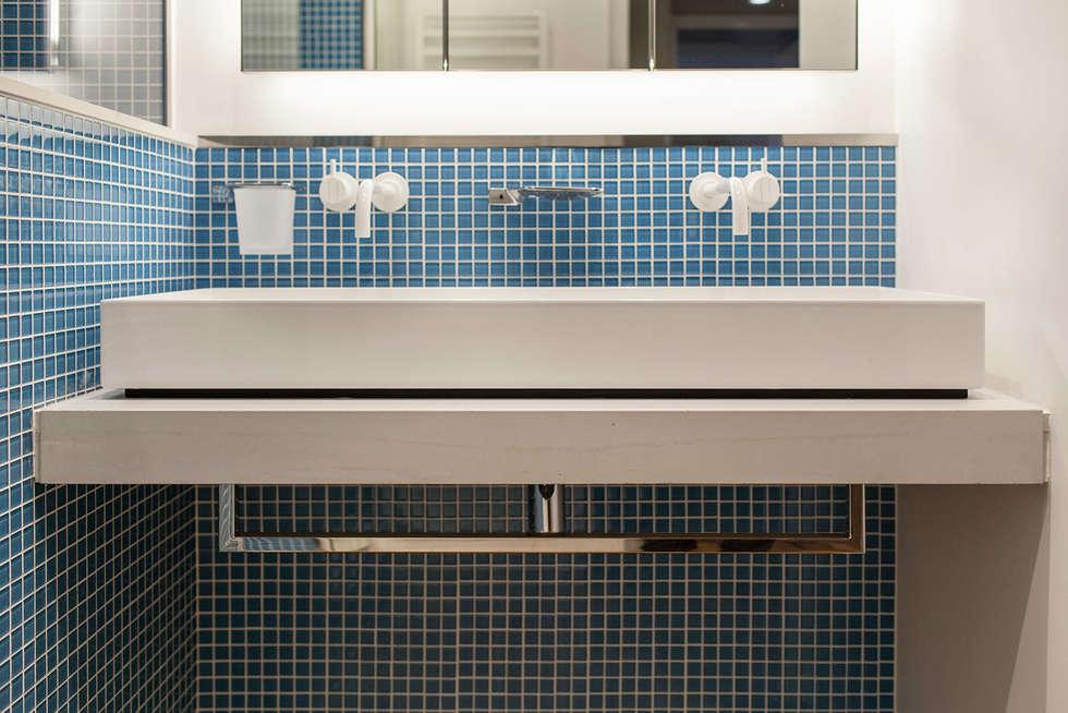 Paris - St Paul: Salle de bains de style  par Concrete LCDA