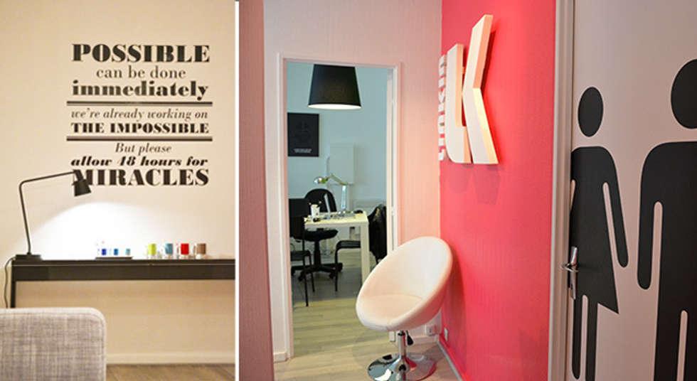 Couloir + Salle de réunion - Bureaux Paris 15e: Bureaux de style  par A comme Archi