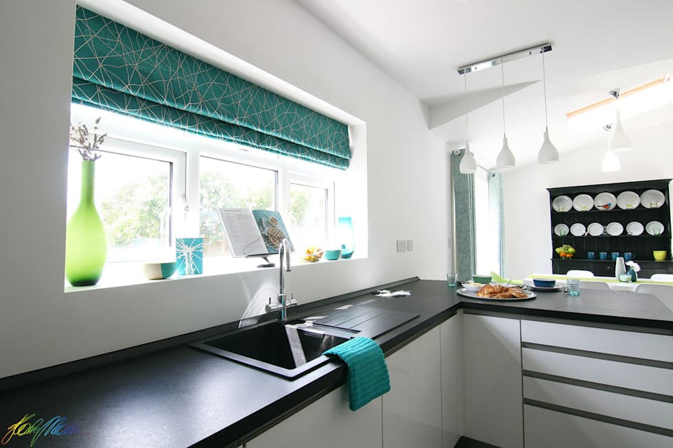 Modern kitchen photos: kitchen area-window treatment | homify