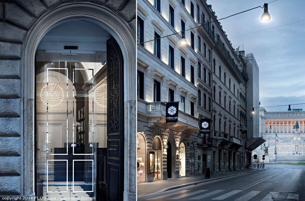 La facciata: Case in stile in stile Classico di CaberlonCaroppi ItalianTouchArchitects