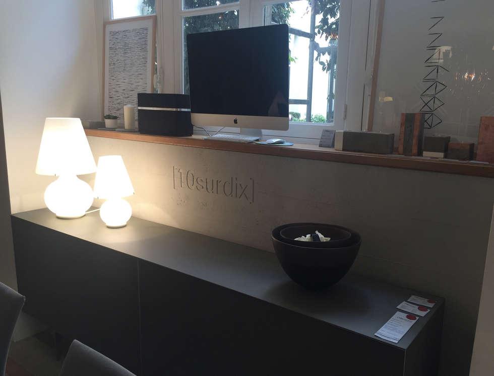 10 sur Dix: Bureau de style de style Moderne par Concrete LCDA