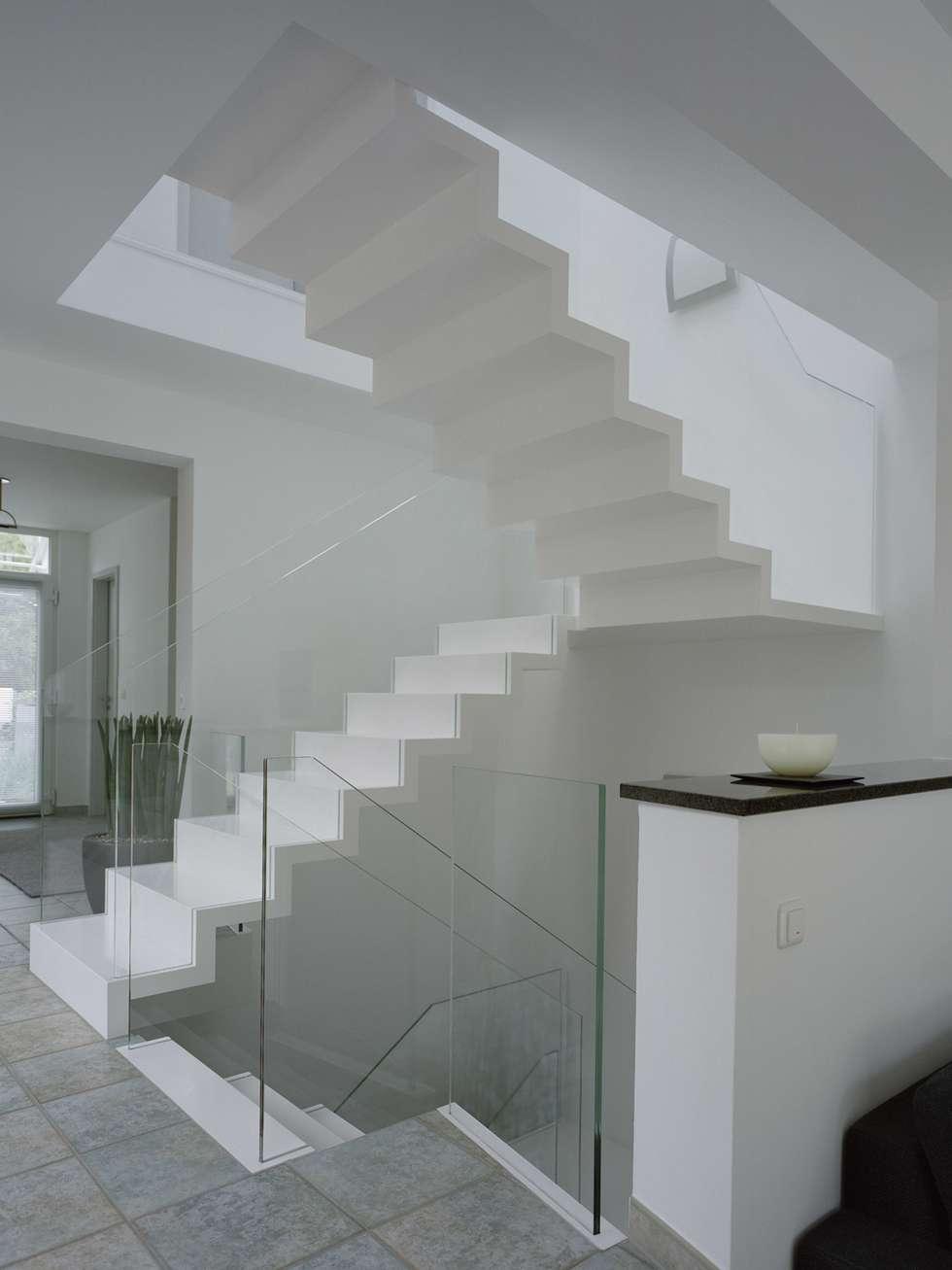 Aufleiter & Roy GmbHが手掛けた廊下 & 玄関