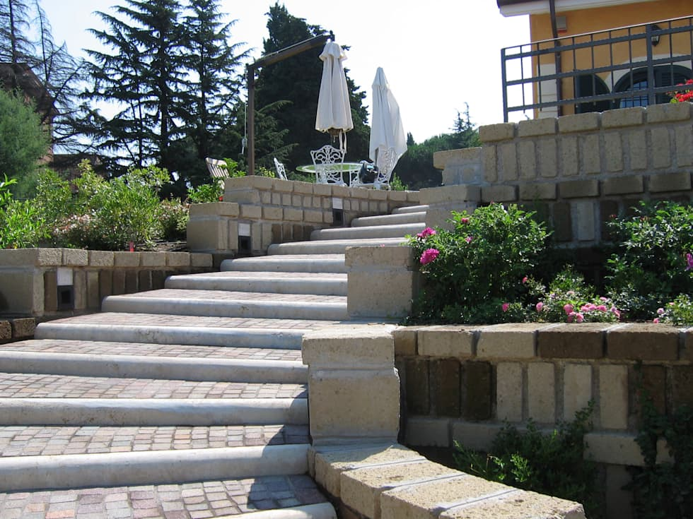 Foto rampa d'ingresso: Giardino in stile in stile Moderno di Stefania Lorenzini garden designer