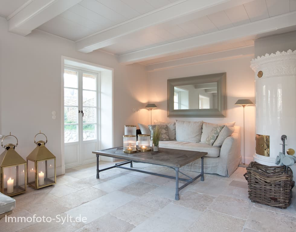 Reetdachhaus In List Auf Sylt: Landhausstil Wohnzimmer Von Immofoto Sylt
