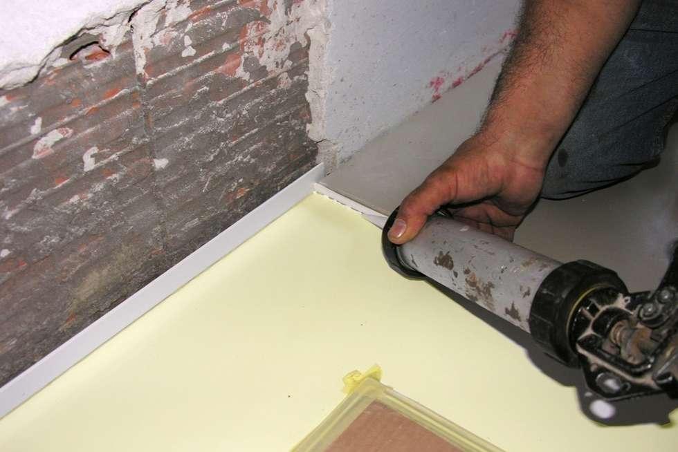 Sigillatura e impermeabilizzazione del piatto doccia: bagno in stile
