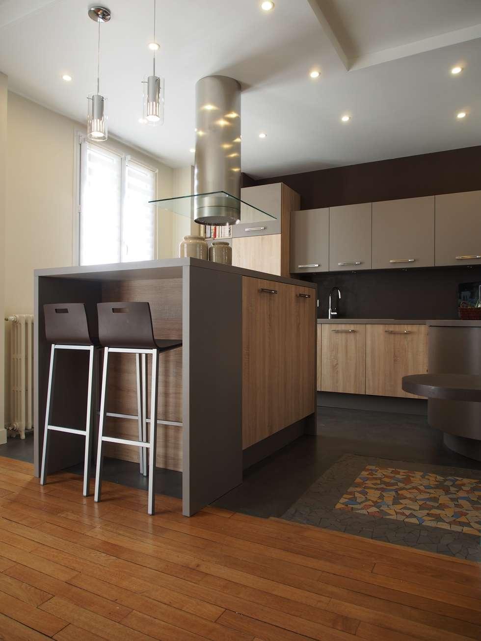 Maison de Famille rénovée: Cuisine de style de style Moderne par agence MGA architecte DPLG