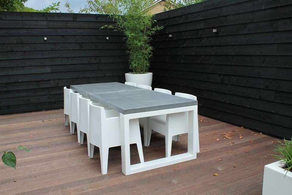 Beton tafel met stalen frame BARI:  Kantoor- & winkelruimten door Ardworks BV