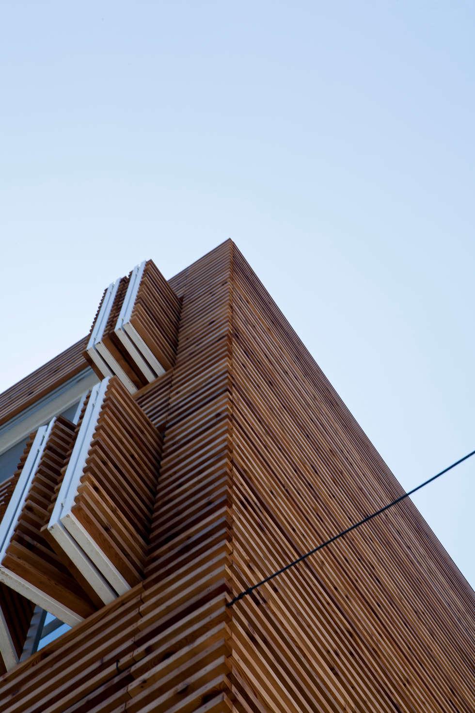 루버하우스: 스마트건축사사무소의  창문